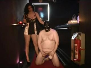 Blackdiamoond Humiliate Slave femdom