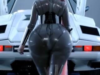 nicki minaj giant ass expansion