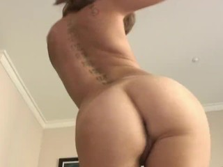 RILEY LOVES BIG GIANT COCKS - A RILEY REID PORN MUSIC VIDEO