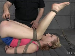 slave lady feet tortured