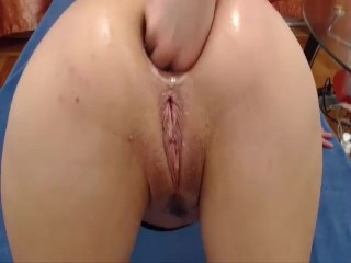 girl fisting herself and shows anal prolapse and gaping