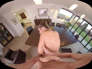 SexBabesVR - 180 VR Porn - Erotic Morning with Naomi Bennet
