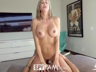 Milf catches stepson mastubrating to VR porn