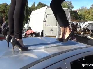 Axelle and Doriane vs Opel Astra