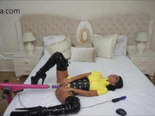 Anisyia Livejasmin fucking machines yellow latex suit fetish