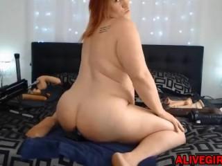 Hot BBW fucks her big ass and enjoying fuck machine