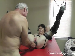 DGG Play with the fans VII big dildo huge anal fist