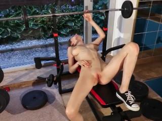 Hot BigTits Exhibitionist Teen Flashing Naked & Public Gym Pussy Orgasm