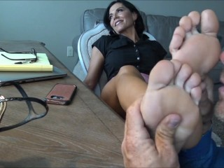 Goddess Zephy - soles feet worship Office