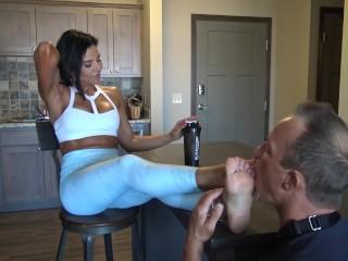 scharfes super fitness girl in fußjob 2