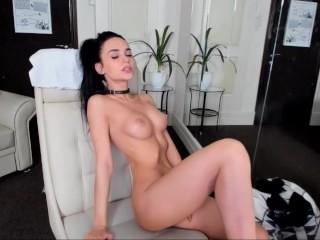 Sexy camgirl masturbates with toys :)
