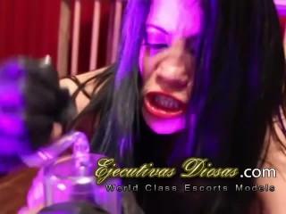 BDSM Dominatrix cruella de vil (Los Porno Addams)