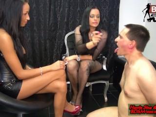 BDSM Teenies - 18 jährige junge Domina gibt ihrem ersten Sklaven Lektion