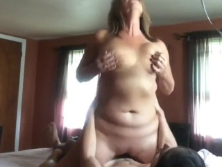 Crazy mature wife gets morning creampie from her new roommate