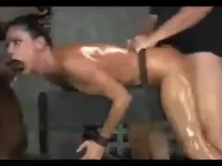 BDSM жёсткий трах привязанной шлюхи