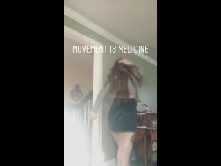 Dancing hippie Chick accidentally flashes pussy on instagram
