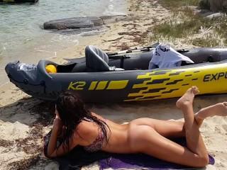 Hot PUSSY FLASHING on PUBLIC BEACH