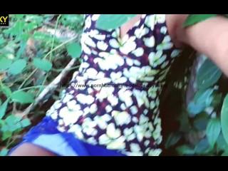 sri lankan outddor sex ගහක් උඩ හාන්සිවෙලා කොල්ල එක්ක සැපේ කිම්බ මදුරුවොකැවෝ
