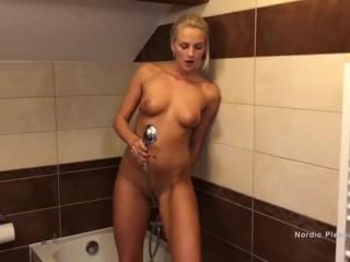 Exploring Myself In The Shower - Nordic Pleasure - Covid Solos