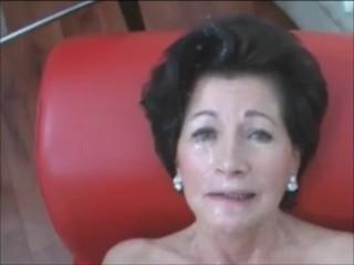A big cumshot on a sexy granny face