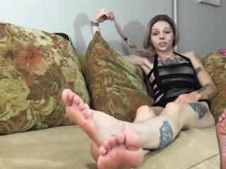 foot fuckin that nasty cunt