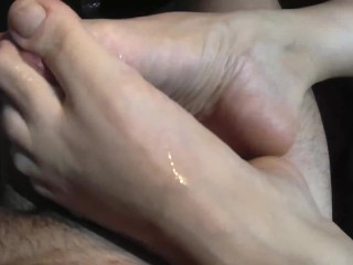 I stopped in the park to fuck Andrea's sexy feet! Flip flop footjob! Promo