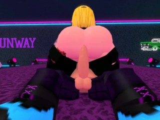Thick ROBLOX girl rides dudes dick in a club at 1AM