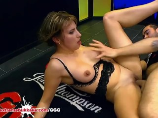 Daphne Laat getting cock from her fat pussy - Extreme Bukkake