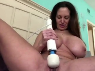AVA ADDAMS SHOWS BOOBS AND PRETTY PUSSY