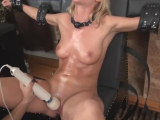 Slavegirl In Chastity For A Month Is So Desperate For Orgasm Agrees To Anal