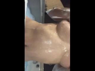 Alexandra Moreira en la bañera#onlifans