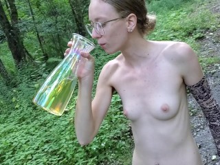 Hot Amateur Teen and OnlyFans Sensation Sarah Evans Naked in Public Drinking her pee.Cum Watch