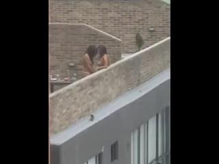 pilladas follando al aire libre