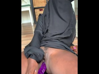 Somali Canada girl onlyfans page.