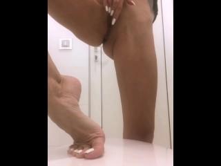 I love to masturbate & pee on my fine feet in public toilets